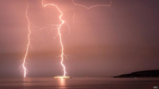 140728222700_lightning_624x351_bbc